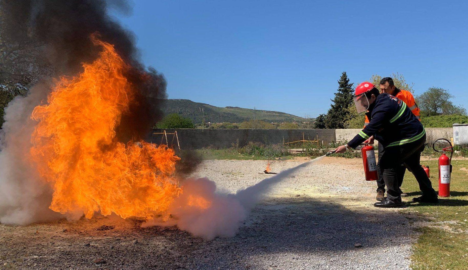 9 Eylül Üniversitesi Onaylı Yangın Eğitici Eğitimi